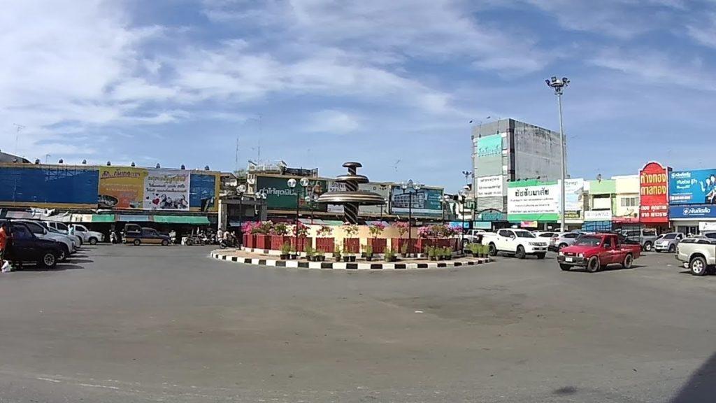 ตลาดใหญ่กลางเมืองจันฯ